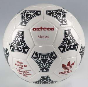 1986_adidas-azteca-wc1