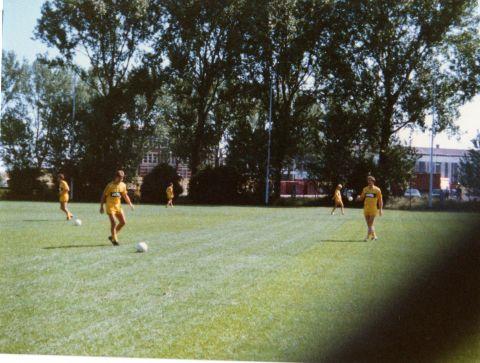 1e training 1989003